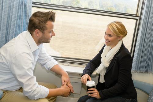 Man vrouw in de trein