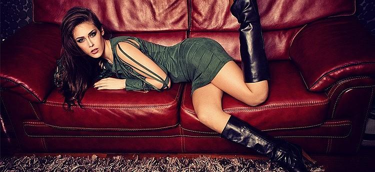 vrouw met sexy hoge laarzen